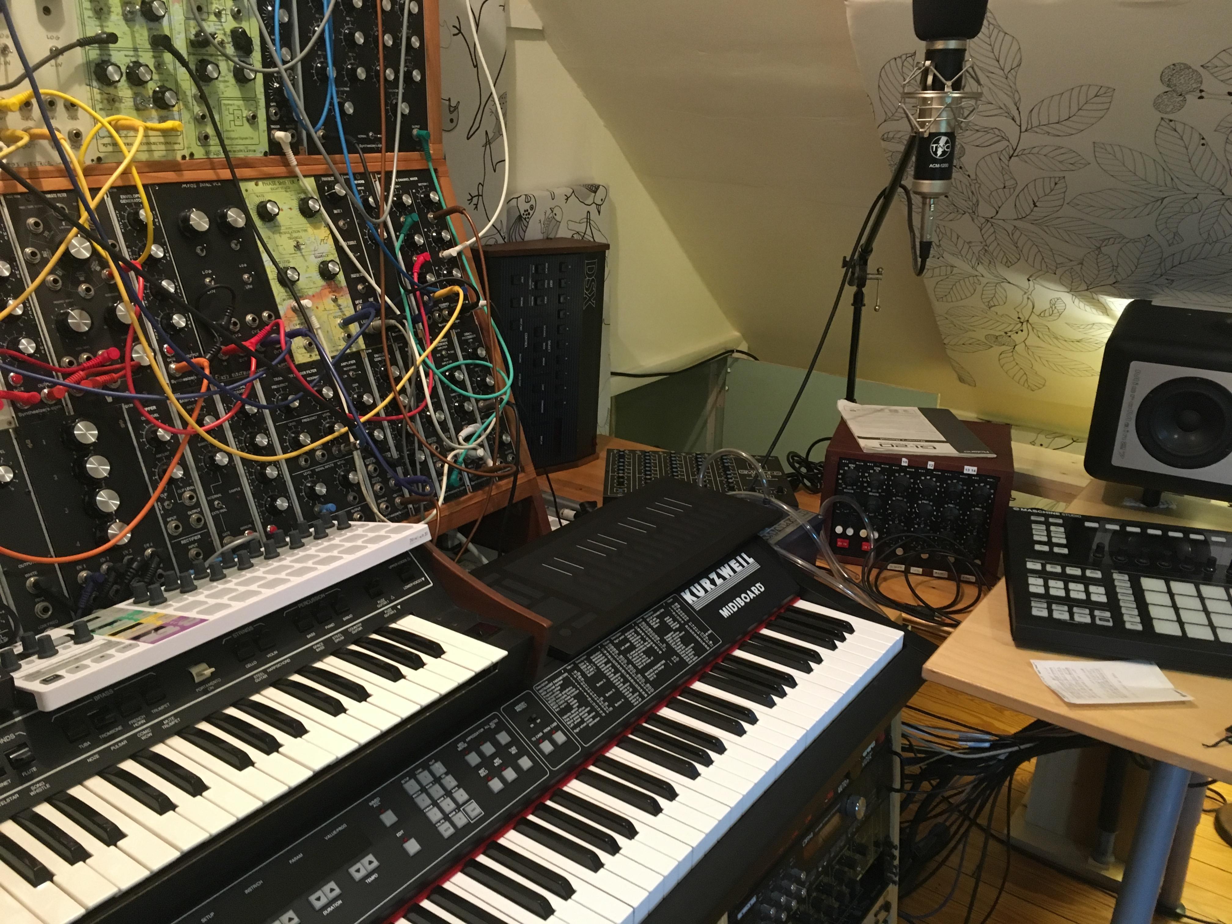 RJD2 studio